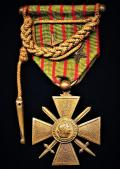 France: Cross of War 1914-1918 (Croix De Guerre 1914-1918). With 2 x 'Bronze Star' citation emblems (avec etoiles), and the riband draped with a 'Fourragere' in the colours of the Croix De Guerre 1914-1918