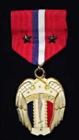 Philippines (Commonwealth 1935-1946): Liberation Medal 1941-1942. With 2 x bronze 'Service Stars' emblems