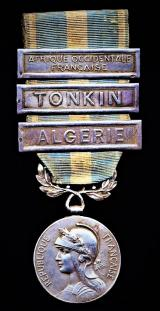 France: Colonial Medal (La Medaille Coloniale). 1st 'Premier' type medal. With 3 x clasps 'Algerie' Tonkin' & 'Afrique Occidentale Francaise'