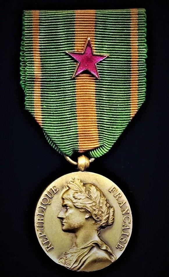France: Escapers Medal (Medaille des Evades). With 'Wound' emblem on riband